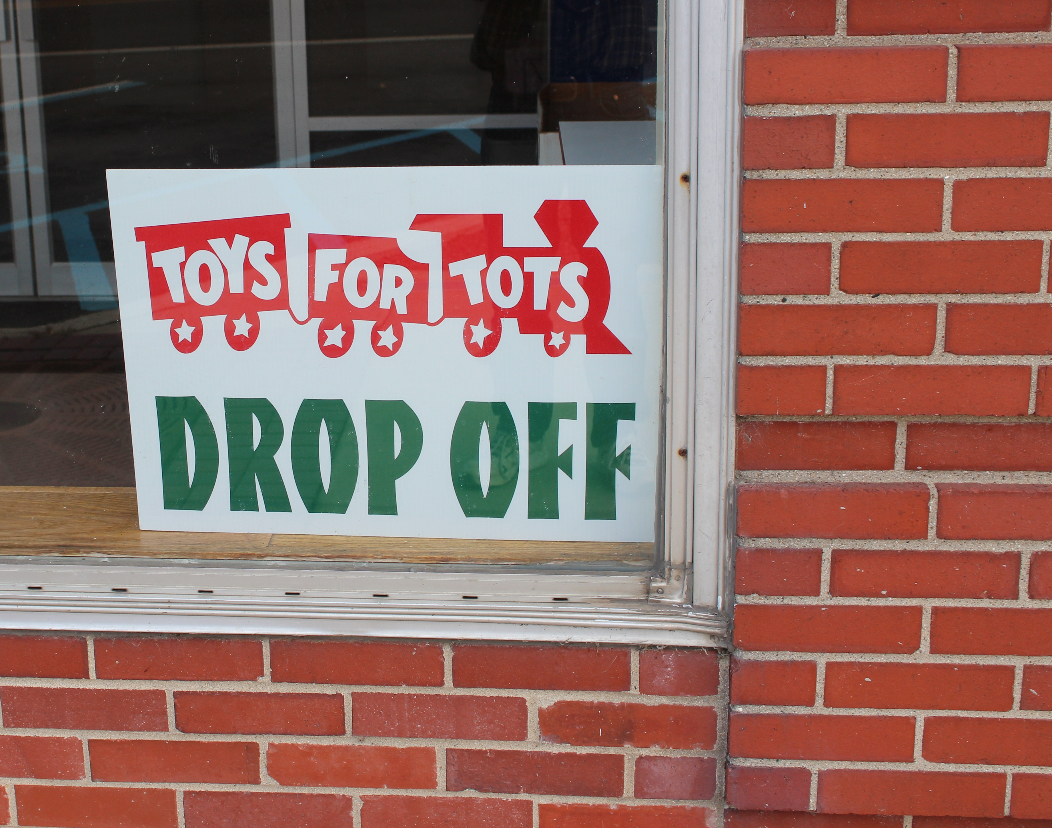 Toys For Tots Font : Toys for tots collection continues the manchester mirror